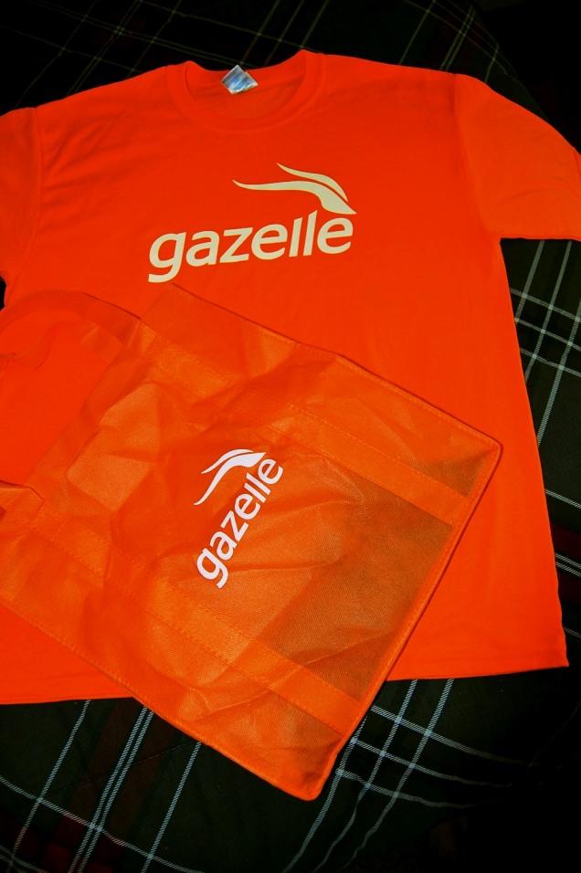 Gazelle.com T-Shirt & Bag